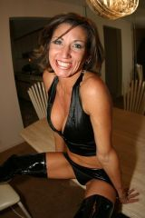 Hot milf on the kitchen table. I guess her pussy i...