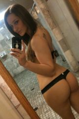 Dani Daniels bathroom selfie (X-post from /r/MissD...