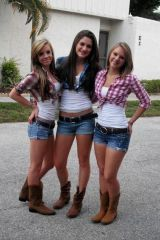 Country trio