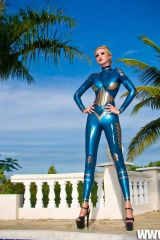 Domme Lacy Black in Andromeda Latex