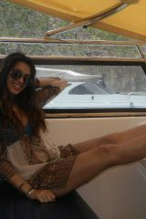 Smokin hot spanish babe with legs for miles!