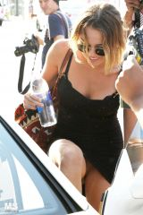 Miley Cyrus upskirt (April 2012)