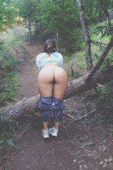 [f] More mooning in public. The trail was crowded ...