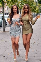 Left one or right one? [via /r/SoFuckable]