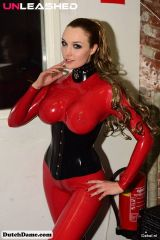 Dutch Dame, red and black