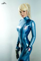 Zero Suit Samus by Hannuki cosplay (x-post from /r...