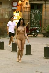 Ice cream cone...check. Naked girl check. Doesnt ...