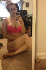 Hi. I took this in my roommates room (f)or you wh...