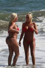 Shannon Twins fake booties in red bikini!