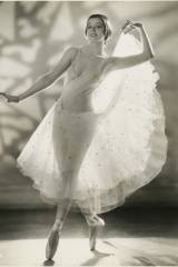 Dancer Helene Denizon in 1933