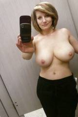 Some moms have the best tits ever.