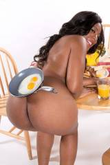 Serenity Evans serving breakfast