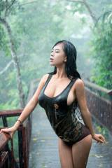 Rain-soaked hottie