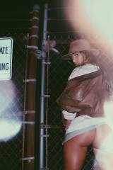 Niykee Heaton ass - no panties