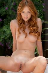 Incredible redhead Michelle