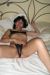 Smalltop MILF brunette - Great nips & crotchless t...