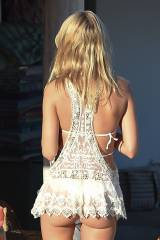 Kimberley Garner has her Cute Ass on Display while...