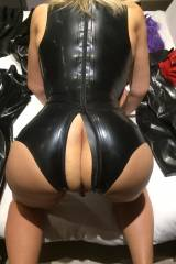 Crotchless body on all fours amongst my new latex ...