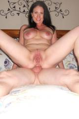 Hes balls-deep in her ass, and this milf is nothi...
