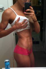 Tiny waist, fantastic abs