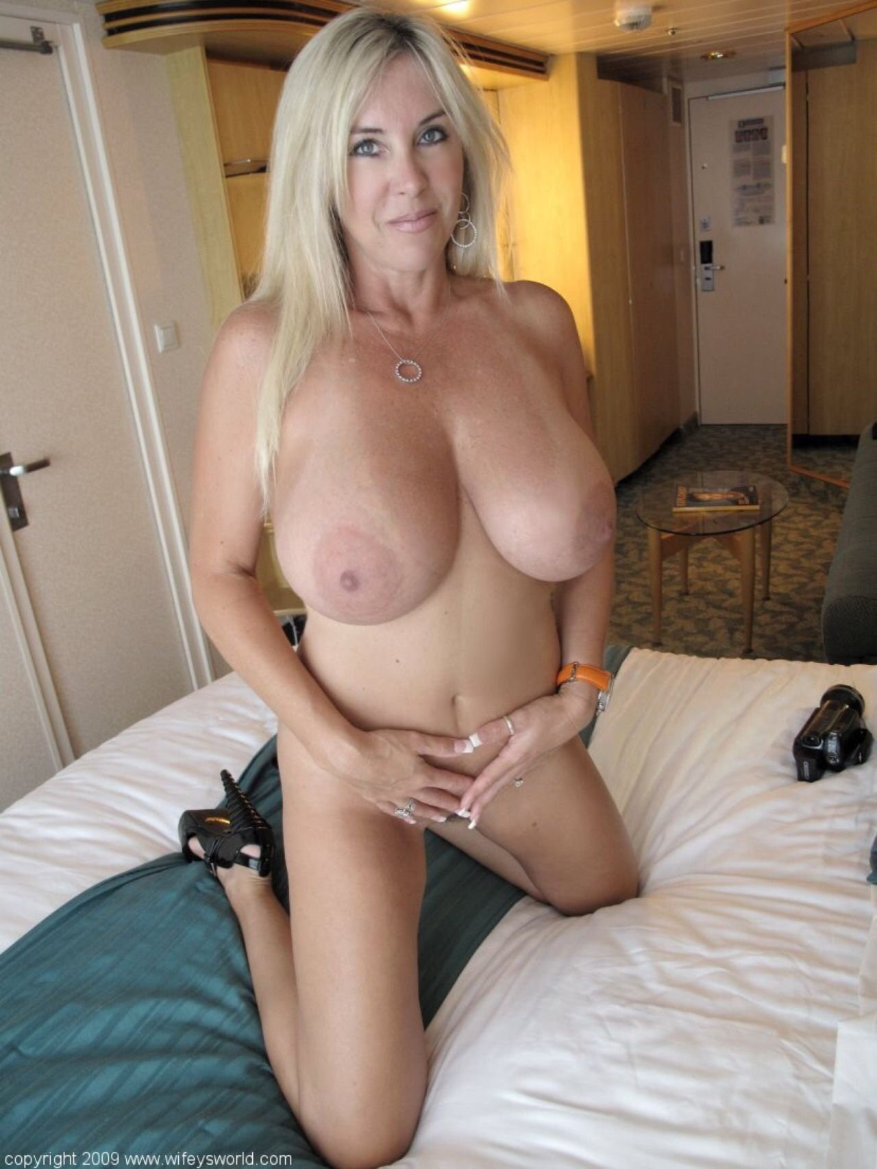 Milf Hunter Blonde Big Tits