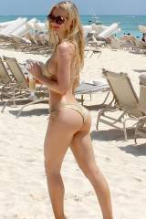 Golden Ass in the Beach