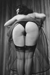 Dats a vintage photo: Betty Page