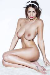 Holly Peers for some Page 3 shoot