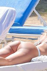 Kate Hudson in thong with juicy ass