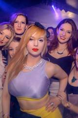 Redhead and her crew [x-post /r/BustyClubbers]
