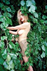 Ashley Smith and a beechwood tree (X-post /r/NSFWf...
