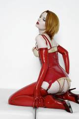 I love this photo of Ulorin Vex. Long gloves, stoc...
