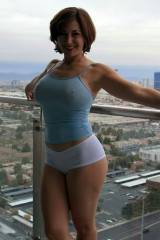 Beautiful sights on the balcony (x-post /r/MilfPan...