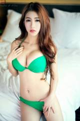 Nice japanese chick in green swimsuit (xpost /r/Ja...