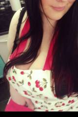 Vintage apron. Vintage me. Can I fix something for...