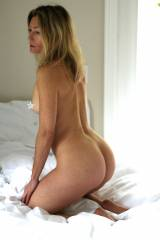 Im a 45 Y/O Married Ass Model Ready to make you c...