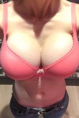 [OC] Me bra shopping at VS (X-post from r/changing...