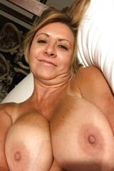 Big tits mature lady - blonde gilf nude selfies