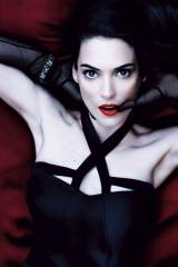 Winona Ryder (X-post /r/eyecontact)