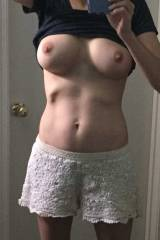 MILFy goodness again: Send me some titties at wor...