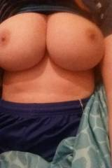 No one liked my girls ass. What about her tits?